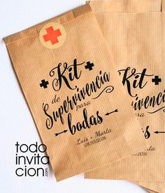 """Para q sobrevivan a vuestra boda y no les falte de nada tenemos estas bolsas de papel kraft """"kit de supervivencia para bodas"""" + pegatina de cierre. Podrás rellenarlas con todo lo que tus invitad@s necesiten. Personalizadas con los nombres y la fecha."""
