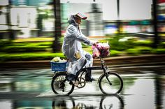 Tainan Bicycle in the Rain | von candersonclick