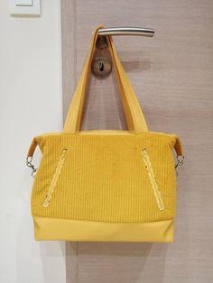 Sac Java en velours côtelé jaune cousu par Florence - Patron Sacôtin