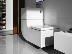 W+W contemporary toilets by Roca - washbasin plus water closet - saves, filters and chemically treats sink water to reuse for flushing the toilet Sink Toilet Combo, Toilet Sink, Flush Toilet, Toilet Bowl, Home Interior, Interior Decorating, Space Saving Bathroom, Contemporary Toilets, Casa Clean