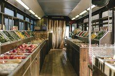 De Andrea Nichols & NoahMacMillan created exciting graphics for the nonprofit farmers' market. Food Cart Design, Food Truck Design, Farm Business, Mobile Business, Mobile Shop, Communication Art, Trailer, Grocery Store, Bulk Store