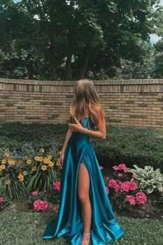 Stunning Prom Dresses, Pretty Prom Dresses, Prom Dresses For Teens, Prom Dresses Blue, Beautiful Dresses, Dress Prom, Fitted Prom Dresses, Simple Prom Dress, Prom Dreses