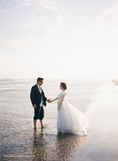 Meribeth + Lad – a Texas beach anniversary | Destination Film Wedding Photographers – Koby & Terilyn Brown
