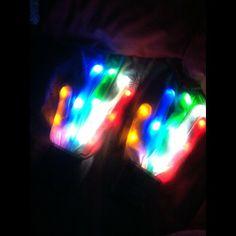 XO LED Rave Gloves : 7 Amazing Multicolored Modes!