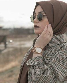 Top 20 Busty Teenage Girls with Sunglasses Wallpapers Muslim Fashion, Modest Fashion, Modele Hijab, Hijab Fashionista, Mode Simple, Girl With Sunglasses, Hijab Fashion Inspiration, Hijabi Girl, Muslim Girls