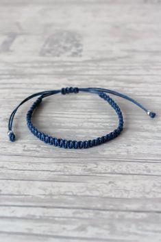 Indigo bracelet men Macrame bracelet Minimalist bracelet Couples bracelet Macrame jewelry Hippie gift Friendship bracelet by ElvishThings on Etsy Macrame Bracelet Diy, Bracelet Knots, Bracelet Crafts, Macrame Jewelry, Bracelet Sizes, Bracelet Patterns, Diy Jewelry, Bracelet Men, Fashion Jewelry