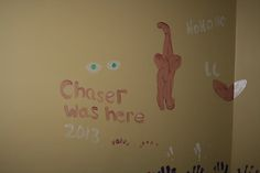 2013-Chaser painting on the wall