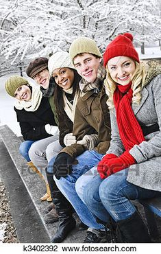 Group of friends outside in winter view large photo image extended family pictures, winter family Casual Family Photos, Extended Family Pictures, Winter Family Pictures, Large Family Photos, Family Picture Poses, Family Photo Sessions, Family Posing, Family Portraits, Group Photos