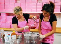 Georgetown Cupcake's Vanilla cupcake recipe and vanilla buttercream, love this soooo much!