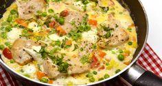 Tejszínes-zöldséges csirke recept: Az egyik legjobb csirkés-zöldséges étel, melyet a tejszín, és a megolvadt mozzarella csak még finomabbá tesz! Készítsd el! ;)