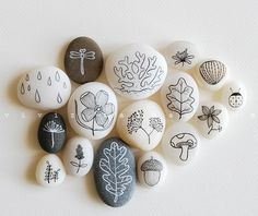 Simple drawings on rocks