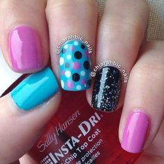 @chiarahbic_nails pretty nail mani