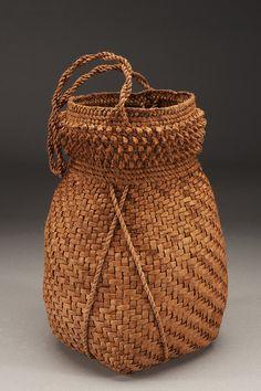 Willow Bark Basket by Jennifer Heller Zurick #finecraft