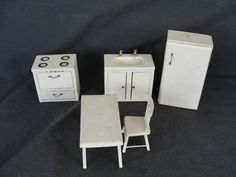 5 Pieces of Vintage Wooden Doll House Furniture Stove Sink kitchen