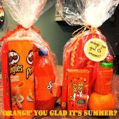 """Orange"" you glad it's summer? What an adorable gift idea for kids on their last day of school!! Fill a gift bag with all sorts of fun orange items. Visit our blog to find out some great 'orange' ideas ;) By dealstomealsblog.com"