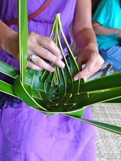 Nomad Dreaming: Coconut palm frond weaving: the time has come (the walrus said)