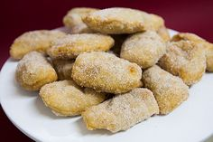 Azevias de Batata Doce Portuguese Desserts, Sweetest Thing, Cookies, Algarve, Ethnic Recipes, Breads, Portugal, Drinks, Puddings
