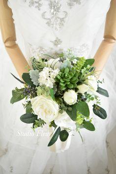 多肉植物とバラのナチュラルクラッチブーケ。全て造花です。 Silk Flower Bouquets, Silk Flowers, Wedding Dresses, Flowers, Bride Dresses, Bridal Gowns, Wedding Dressses, Bridal Dresses