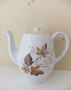 Alfred Meakin Ceramic Coffee Pot from Glo White range with autumn leaves