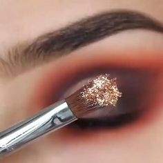 Smoke Eye Makeup, Makeup Eye Looks, Eye Makeup Steps, Eye Makeup Art, Eyebrow Makeup, Makeup Eyeshadow, Indian Eye Makeup, Sparkle Eye Makeup, Indian Wedding Makeup