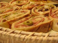 Receitas Aqui: Pão com Presunto, Fiambre, Queijo, Azeitonas e Passas