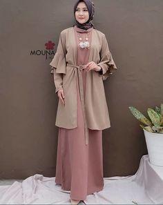 Muslim Dress, Hijab Dress, Dress Outfits, Abaya Fashion, Muslim Fashion, Fashion Dresses, Dress With Cardigan, The Dress, Dress Brokat