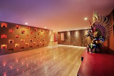 Dance floor, event space? Looks almost like an art gallery. @ ibis Styles Bali Benoa - Nusa Dua - Indonesia #travel