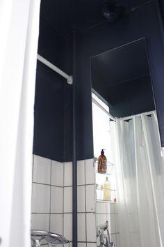 Blå badeværelse