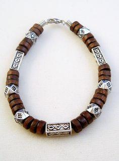 Brown-Surfer-Style-Beaded-Bracelet Surfer Bracelets, Mens Gold Bracelets, Handmade Bracelets, Beaded Bracelets, Mens Bracelet Fashion, Diy Leather Bracelet, Beach Jewelry, Men's Jewelry, Jewlery