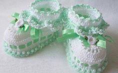 Best 12 Tina's handicraft : slippers Crochet Baby Sandals, Baby Shoes Pattern, Baby Girl Crochet, Crochet Baby Booties, Crochet Shoes, Crochet Slippers, Crochet For Kids, Baby Boots, Baby Girl Shoes