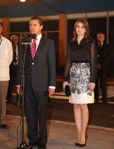Angélica Rivera, elegancia en blanco y negro en nueva gira presidencial