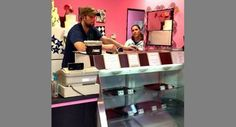 TODD'S AMERICAN DISPATCH: Christian bakery closes after LGBT threats, protests  A private business don't have a choice!