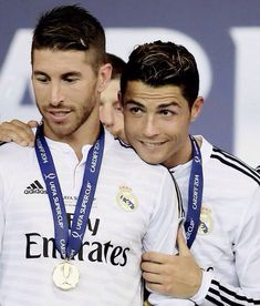 Cristiano Ronaldo and Sergio Ramos after winning the 2014 UEFA Super Cup Finals World Best Football Player, Good Soccer Players, Football Is Life, Best Football Team, Football Players, Cardiff, Ramos Real Madrid, Uefa Super Cup, Ronaldo Football