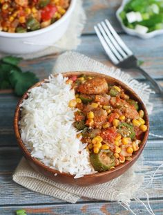 Creole Chicken Okra: Hearty, Healthy and Filling with tons of vegetables ,spice and comes together quickly- A great weeknight meal, Vegan o. Sauce Gombo, Cooking Recipes, Healthy Recipes, Oven Recipes, Vegetarian Cooking, Easy Cooking, Vegetarian Barbecue, Easy Recipes, Barbecue Recipes