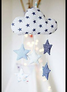 Die Wolke u. - Baby Spielzeug , Lovingly handcrafted mobile with a cloud and five stars. The cloud and the stars are sewn of different cotton fabric and filled with cotton wool. A sp. Sewing For Kids, Baby Sewing, Diy For Kids, Baby Crafts, Felt Crafts, Diy And Crafts, Sewing Crafts, Sewing Projects, Baby Co