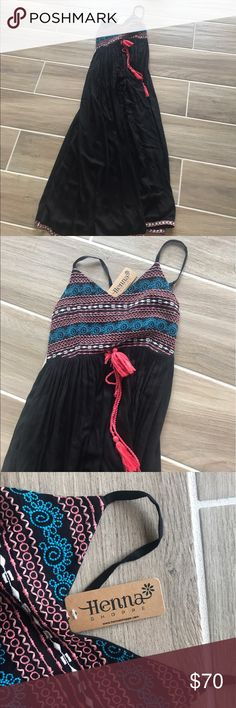 Long black maxi dress never used in NWT! Long black maxi dress never used in NWT! Dresses Maxi