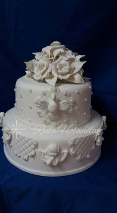 bolo batizado #bolobatizado #bolobiscuit #cakefake #artbiscuitruteholanda