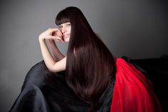 ¿Quieres un cabello liso y con cada pelo en su lugar? Entonces necesitas saber cómo alisar el pelo naturalmente. Tan solo necesitas unos pocos elementos que fácilmente encontrar