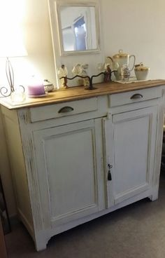 - Furniture for Kitchen - Buffet de cuisine dans un style très campagne : Meubles et rangements par les-i. Kitchen buffet in a very country style: furniture and storage by the timeless. Distressed Furniture, Upcycled Furniture, New Furniture, Kitchen Furniture, Painted Furniture, Country Style Furniture, Hemnes, Home Decor Kitchen, Home Staging