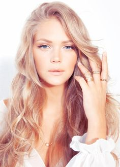 I want to do my hair this color so bad!!!