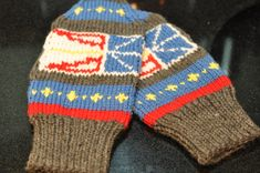 Knit with 100% Peruvian Highland Wool. 2nd in the Series of Newfoundland Themed Mittens. What a great gift to give a loved one away from home. A little bit of Home away from Home. 1st in the series is the Newfoundland Map, also available here on Etsy in my store. These can be resized to fit from Child to Adult, but are pictured as a ladies M-L. These are very popular at my other sales, so dont be disappointed.Order today for Christmas delivery. For additional sizes, pls send me a message and…