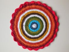 'Noro Boho Bag' I think you all remember the post of her noro fat bottom bag (see original post here) I can tell you it is even more stunning in real life. Blog Crochet, Crochet Mandala Pattern, Rainbow Crochet, Doilies, Decorative Plates, Tapestry, Blanket, Boho, Knitting