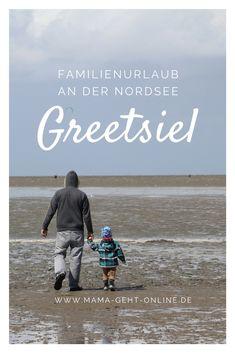 Unseren ersten Sommerurlaub als Familie verbrachten wir an der schönen Nordseeküste im kleinen Örtchen Greetsiel. Beach, Water, Movie Posters, Outdoor, Babys, Travelling, Wanderlust, North Sea, Family Vacations