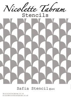 Ispirato da tegole in cemento semplice che questo stencil ripetuto versatile può essere utilizzato su mobili, pareti e tessuto. Dimensioni: Stencil 22x30cms Progettazione 17x26cms Riutilizzabile e facile da usare, stencil possono essere verniciati in tinta unita o come un disegno colorato multi. Le istruzioni sono fornite Stencil è tagliato da 190 micron Mylar.