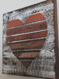 Rustic Leather Heart Wall Art (What a great idea, go to a Thrift store and get some old belts, and viola you have heart art! Arte Pallet, Pallet Art, Pallet Ideas, Pallet Signs, Leather Art, Leather Belts, Tooled Leather, Tandy Leather, Vintage Leather