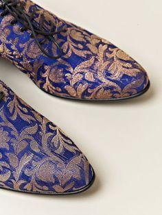 Haider Ackermann Damen-Oxfordschuhe im Babouche-Stil. Oxford Shoes Outfit, Men's Shoes, Shoe Boots, Casual Shoes, Haider Ackermann, Saddle Oxfords, Women's Oxfords, Ladies Dress Design, Fashion Prints