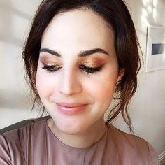 I didn't want to take this makeup off... @ctilburymakeup Dolce Vita look by @nelson_catarino_makeup, video coming soon on @voguebrasil ✨✨✨✨ pode dormir de maquiagem pra ela durar pra sempre? Ameeei fazer esse vídeo para a Vogue, em breve no ar  @camiguerreiro