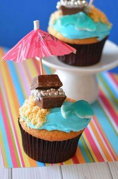 Treasure Chest Cupcakes- perfect for pirate parties, beach parties, and summer parties