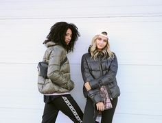 Ardene babes Marilou and Jade know how to look fab AND stay cozy as temperatures drop. Let's take notes from these style queens. Sometimes busting out the winter gear can be frightening, but having… Winter Gear, What's Trending, Jade, Queens, That Look, Winter Jackets, Notes, Cozy, Drop