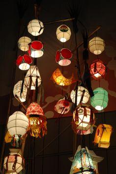 Lotus Lantern Festival : Exhibition of Traditional Lanterns at Cheonggyecheon, Seoul